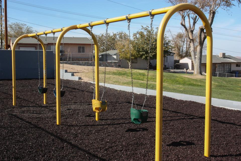 Lillian swingset