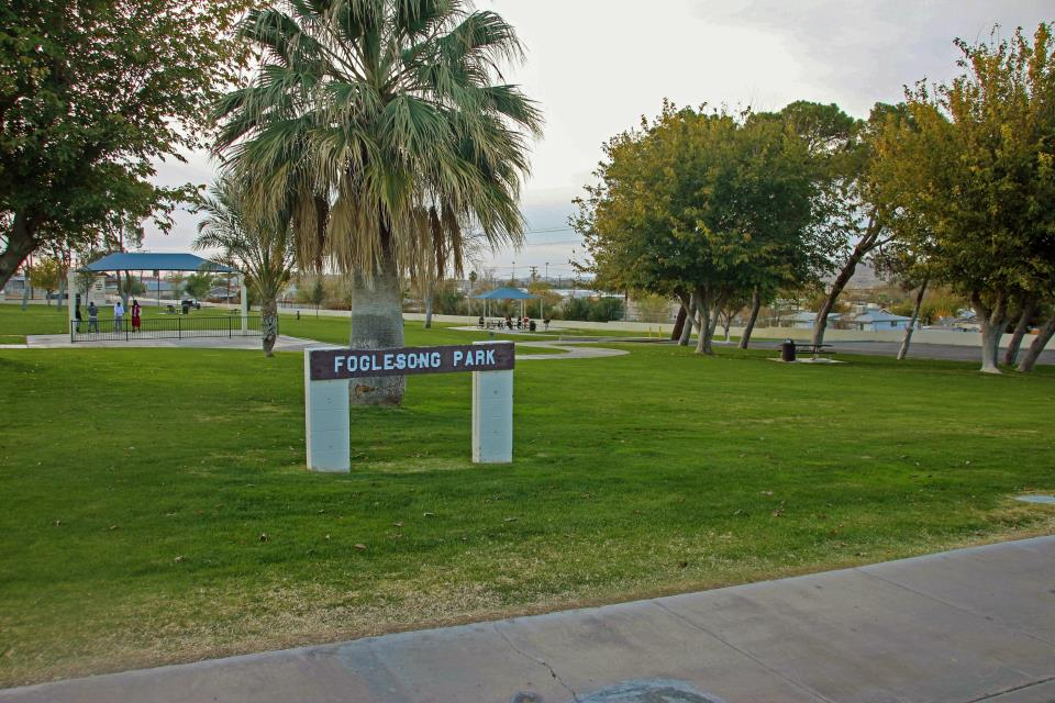 Foglesong park sign
