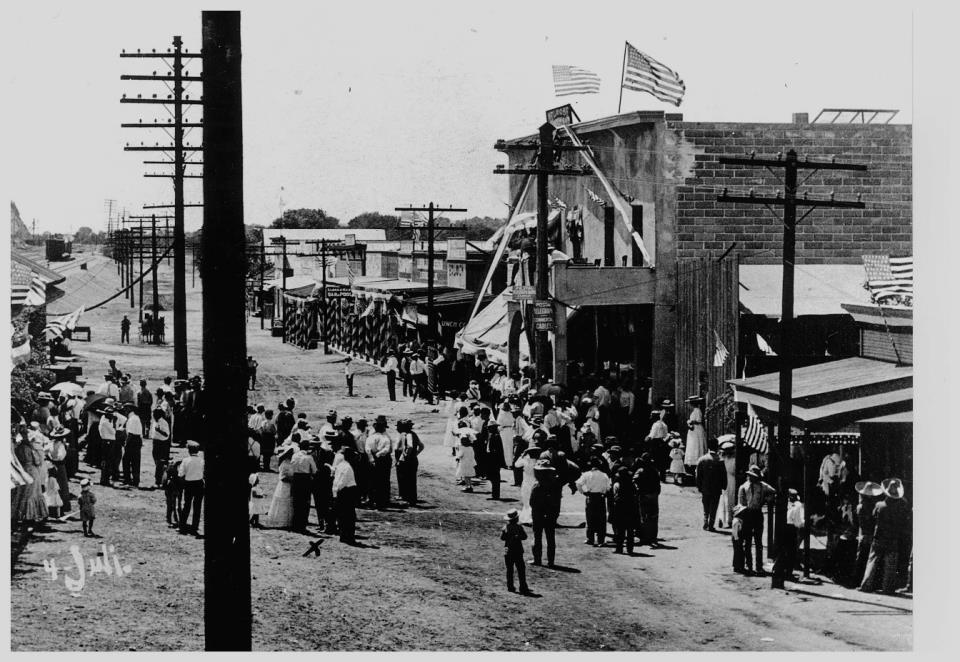 Main Street 4th of July 1911